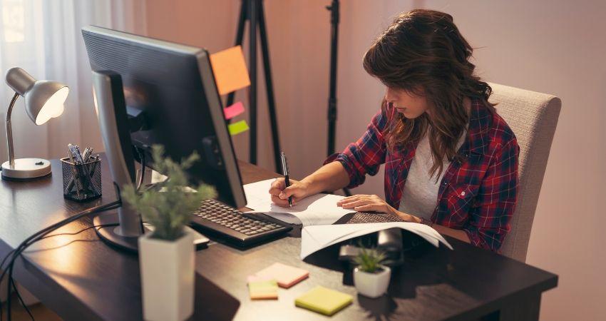 Como trabalhar em casa online sendo redator - Como Trabalhar em Casa Pela Internet e Ganhar MUITO Dinheiro no Marketing Digital