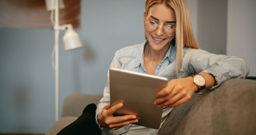 Trabalhar em casa online - Como Trabalhar em Casa Pela Internet e Ganhar MUITO Dinheiro no Marketing Digital